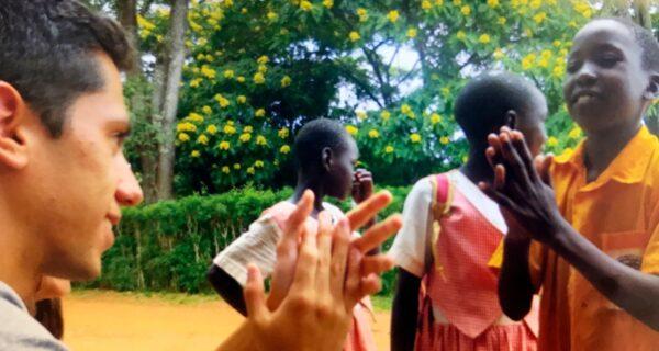 Catequista-na-Uganda