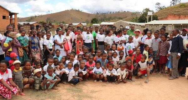 misioneros_consolata_feligreses Madagascar